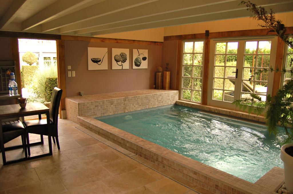 Binnenzwembad buitengewoon wellness erpe-mere